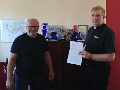 Podpisanie umowy na dofinansowanie remontu kościoła w Ludzisku