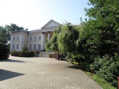 Neoklasyczny Palac w Michorzewie