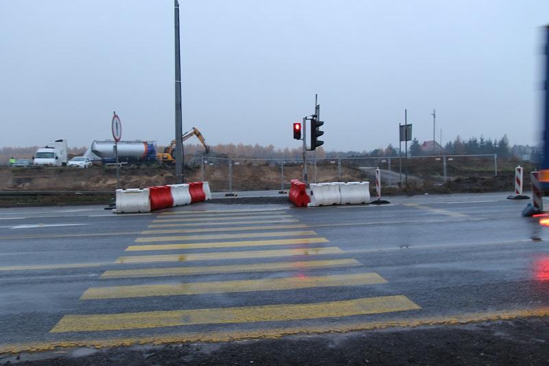 Przejście dla pieszych na DK 1 w Stobiecku Szlacheckim