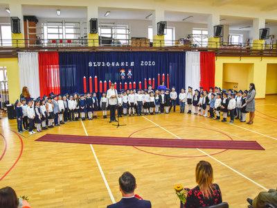 Ślubowanie klas pierwszych w Szkole Podstawowej nr 2 w Sławnie