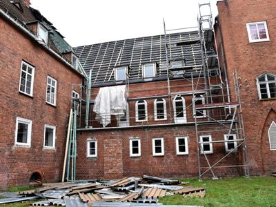 Remont dachu Sławieńskiego Domu Kultury - widok budynku