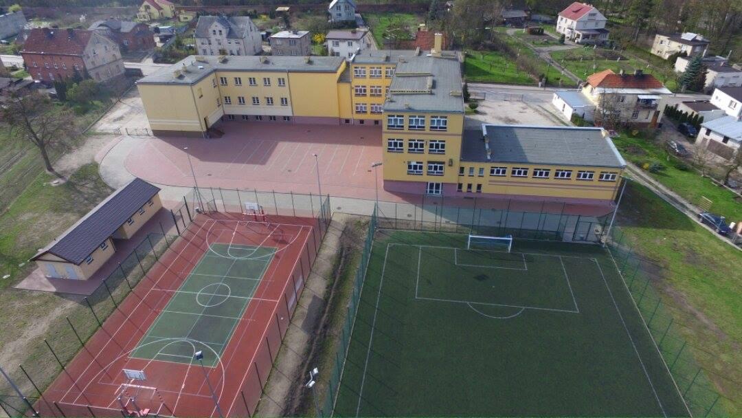 Szkoła Podstawowa nr 2 w Pelplinie [1080x608]
