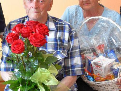 Zdjęcie przedstawia Jubilata Stanisława Filipiaka z Pękanina z żoną.