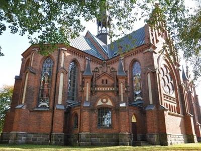 Kościół w Gościeradowie - widok od strony zachrystii