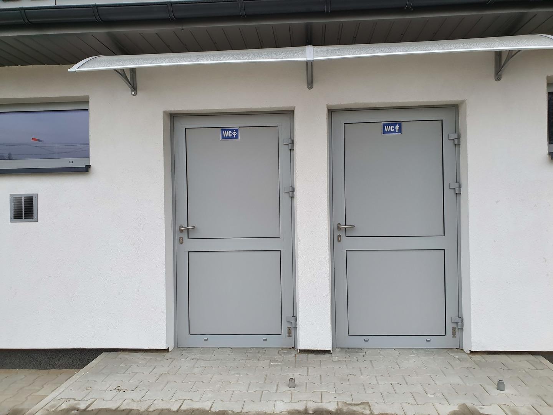 Wejścia do toalet [4032x3024]