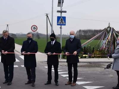 Nowe drogi w gminie Brzuze