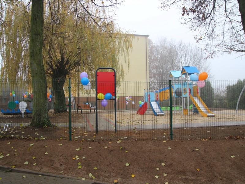 Otwarcie placu zabaw w Wągrach